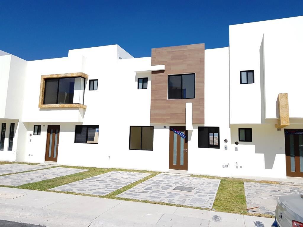 Renta de casa en zibata el marques goplaceit for Inmobiliaria 3 casas