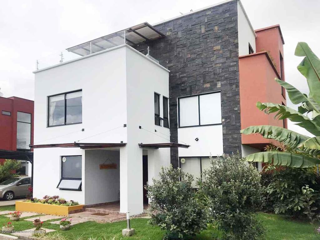 Casa en Cota 108212, foto 1