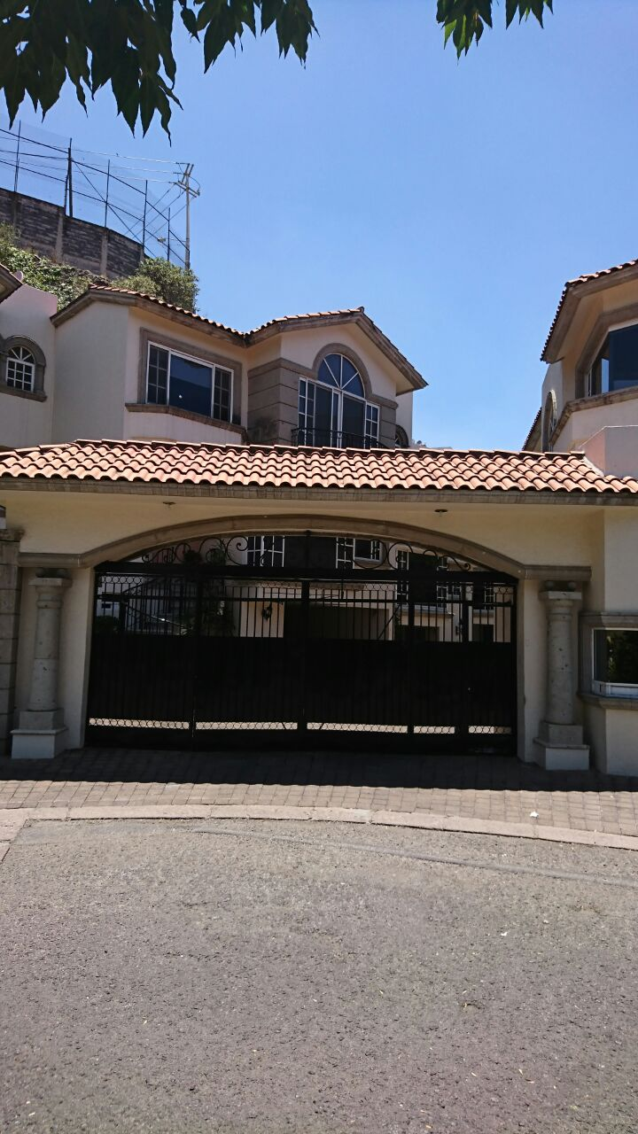 Renta de casa en huixquilucan de degollado goplaceit for Inmobiliaria 3 casas