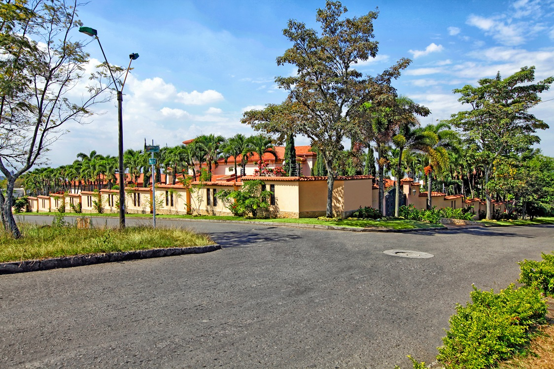 Venta de casa en cali goplaceit for Bares ciudad jardin cali