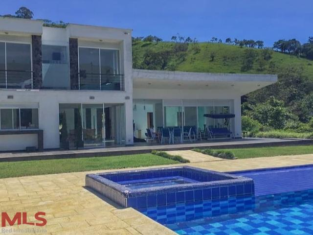 Casa en Barbosa 99975, foto 2