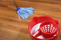 como limpiar pisos de parquet