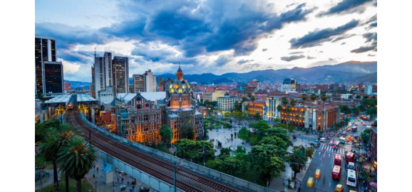 why live in medellin
